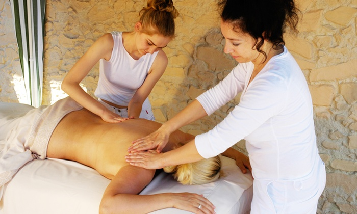 Spa Lounge - Lutherville - Timonium: $99 for a Two-Hour Private Couples Massage Class at Spa Lounge ($270Value)