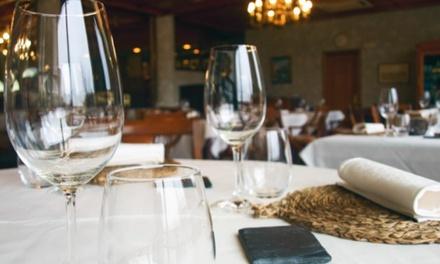 Menú para 2, 4 o 6 con entrante, cochinillo, entrecot o merluza, postre y bebida desde 39,95€ en El Rincón del Segoviano