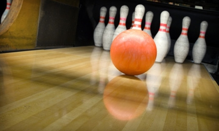 Junction Lanes Family Entertainment Center - Newnan: $24 for Two Hours of Bowling and Shoe Rental for Up to Five People at Junction Lanes Family Entertainment Center in Newnan (Up to $69.99 Value)