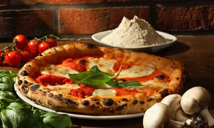 Napul e - Napul'è: Cena con pizza e musica dal vivo da Napul'é a 19,90 €
