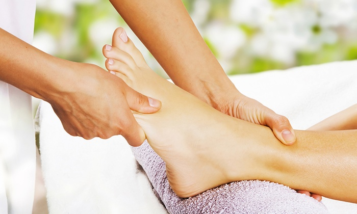 Massage Naturals Spa - Scottsdale: $35 for a 60-Minute Foot Reflexology Massage at Massage Naturals Spa ($59 Value)