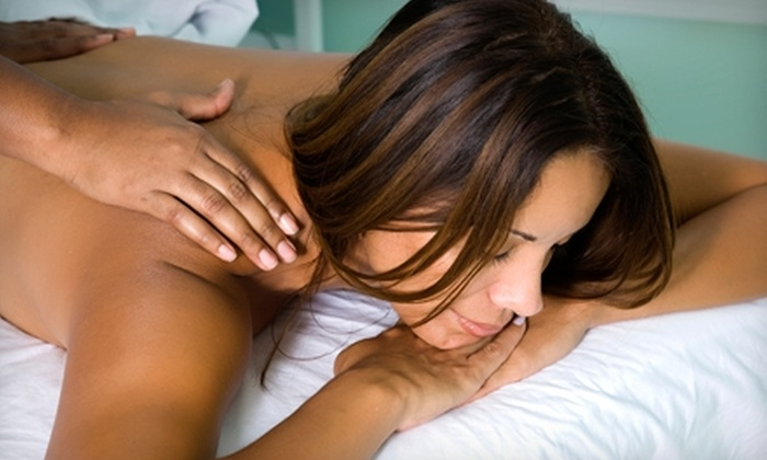 Full Circle Health Network - Downtown Kingston: $42 for a Swedish Massage at Full Circle Health Network ($85 Value)