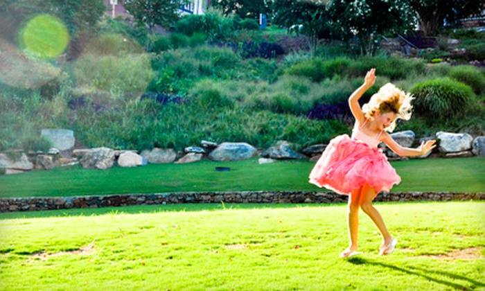 Betsey Darley Photography - Greenville: $39 for a One-Hour Photo Shoot and Photo Package from Betsey Darley Photography ($223 Value)