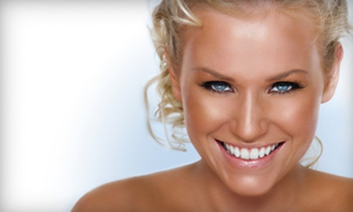 Comprehensive Dentistry - Ypsilanti: $99 for One Venus In-Office Teeth Whitening and Take-Home Whitening Kit at Comprehensive Dentistry ($700 Value)