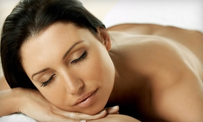 David Anthony Salon & Spa - Willowbrook: $40 for a One-Hour Massage at David Anthony Salon & Spa in Willowbrook (Up to $95 Value)
