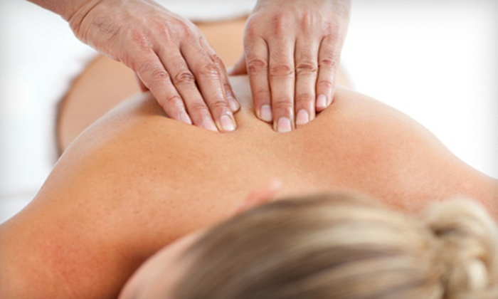 Toronto Medical Centre - York University Heights: 45-Minute or 60-Minute Massage at Toronto Medical Centre (Up to 51% Off)