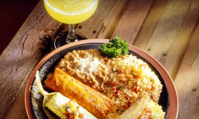 Que Pasa Cantina - Buckman: $12 for $25 Worth of Mexican Fare and Drinks at Que Pasa Cantina