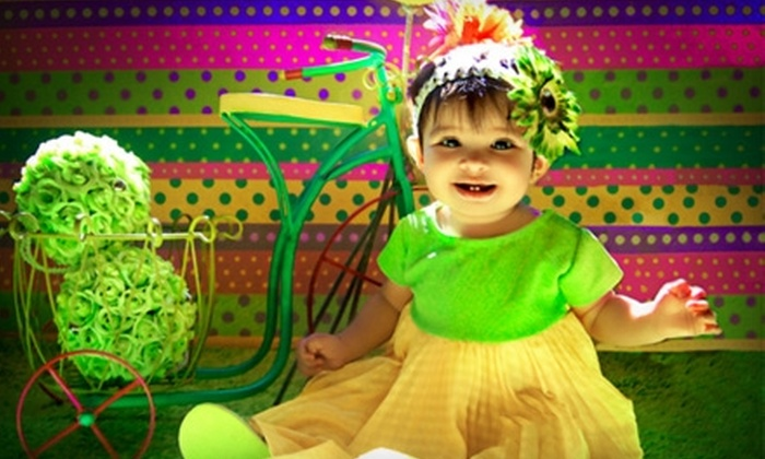 Funny Face Family Photography - Southern Hills: $39 for Family Photo Session, 46 Prints, and CD of Images at Funny Face Family Photography ($75 Value)