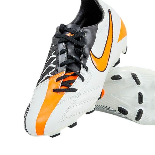 Nike E Joma Per Calcio Modelli Disponibili CalcettoVari Scarpe knO08Pw