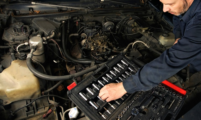 95 Auto Service - Herndon: Full Synthetic or Synthetic Blend Oil Change with Optional Battery Check at 95 Auto Service (Up to 55% Off)