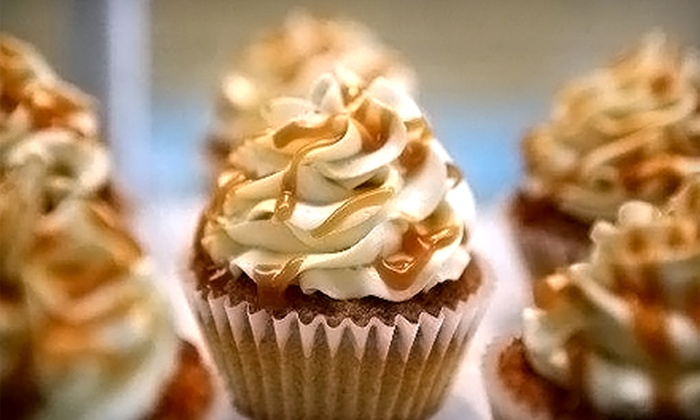 Gracie's Cupcakes - Villas: $8 for Six Cupcakes from Gracie's Cupcakes ($16.50 Value)