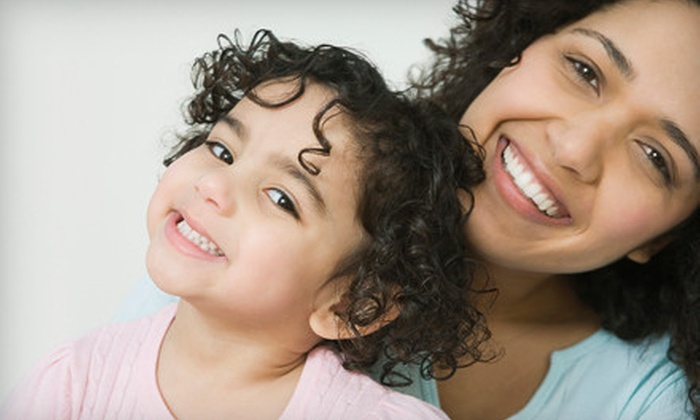 Davis & Dingle Family Dentistry - Booker Washington Heights: $49 for a Dental Package with Teeth Cleaning, Exam, and X-rays at Davis & Dingle Family Dentistry ($247 Value)