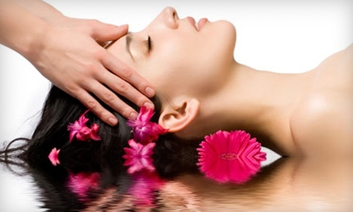 LaVie Nails & Spa - Western Skies Village: $39 for a Relaxing Facial and Ultrasonic Microdermabrasion at LaVie Nails & Spa in Gilbert ($120 Value)