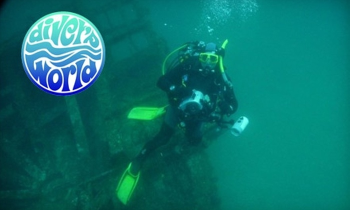 Diver's World - Erie: $20 for Try Scuba Lesson at Diver's World ($50 Value)