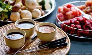 Vielfalt: Fondue-Essen mit Rindssuppe oder Öl inkl. je 1 Glas Prosecco für Zwei oder Vier bei Vielfalt (bis zu 54% sparen*)