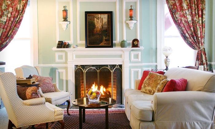 The Carisbrooke Inn - Ventnor City, New Jersey: One- or Two-Night Stay for Two with a Bottle of Wine at The Carisbrooke Inn in New Jersey