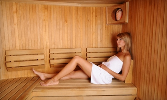 Lemire Clinic - Belleview: $49 for Four Ionic Detox Foot Baths or Four Far Infrared Sauna Treatments at Lemire Clinic ($140 Value)