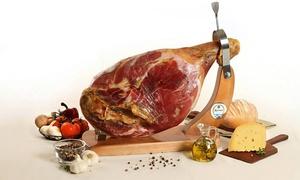 Productos El Artesano: $899 en vez de $1800 por pata de jamón crudo de 8 kg + vino regional en Productos El Artesano.