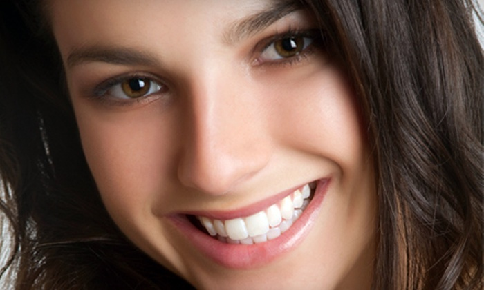 Sin City Smiles - Las Vegas: $59 for a Teeth-Whitening Treatment at Sin City Smiles ($149 Value)