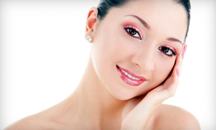 Permanent Makeup of Tampa Bay - Northwest Tampa: $99 for Permanent Upper-Lid Eyeliner Application at Permanent Makeup of Tampa Bay ($280 Value)