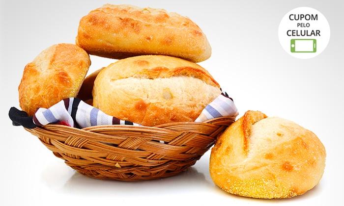 50 ou 100 pãezinhoscom ou sem recheio de queijo na Salgaderia Salvador – Boca do Rio