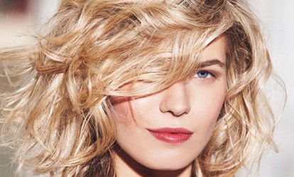 Shampoing, soin, coupe et brushing, option couleur ou balayage dès 17 € chez Beauty Queeness Institut