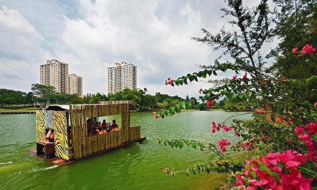 Melaka: Stay at Theme Park Resort 7