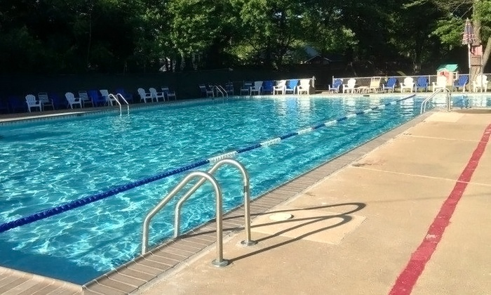 Edsall Park Swim Club - Springfield: 10- or 20-Visit Pool Pass for One from Edsall Park Swim Club (Up to 51% Off)