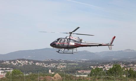 Experiencia de vuelo en helicóptero y de conducción de deportivo en circuito o carretera desde 179 € en Prestige GT Oferta en Groupon