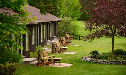 Stay with Daily Dinner Dining Credit at Pinestone Resort & Conference Centre in Haliburton, ON. Dates into May.