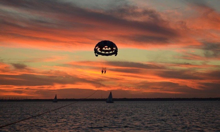 Parasailing the pass - Treasure Island: Up to 42% Off Parasailing at Parasailing The Pass