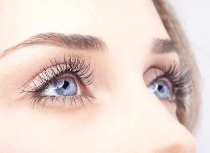 Full Set of Eyelash Extensions with Optional Re-Touch at Evolve Style Lounge (Up to 54% Off)