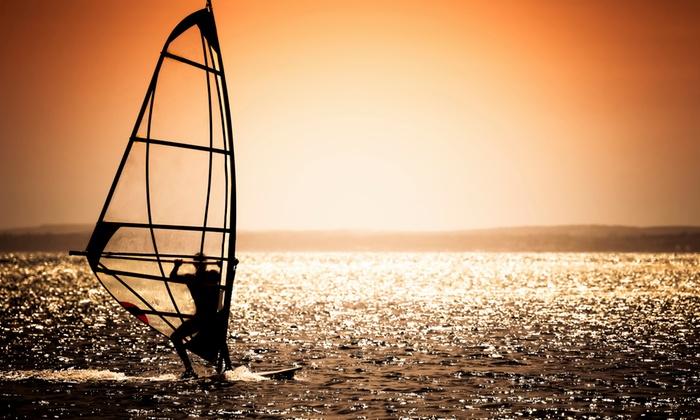 SportActivity - Formia: Corso di windsurf con istruttore per una, 2 o 3 persone presso SportActivity (sconto fino a 85%)