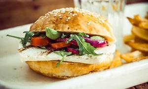 Marhaba Grill: Soczyste burgery dla 2 osób za 19,99 zł i więcej opcji w Marhaba Grill (-43%)