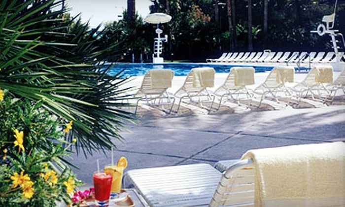Blu Pool at Bally's Las Vegas - The Strip: Pool Admission with One Cocktail or Open Bar or Poolside Party for Four at Blu Pool at Bally's Las Vegas (Up to 62% Off)
