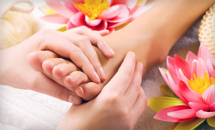 1-hour reflexology treatment with shoulder and neck massage and detoxifying foot soak