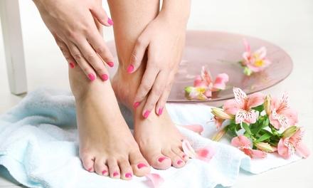 3 manicure o pedicure con smalto