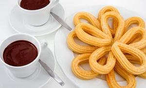 Victoria: Merienda para dos con 2 chocolates o 2 cafés y todos los churros que queráis por 4,90 € en pleno centro