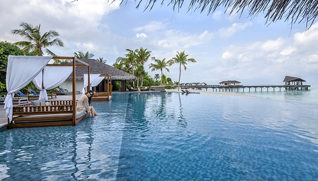 Maldives & BKK Stay + Return Flights 1