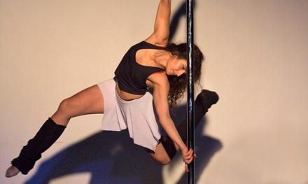 Pole Spirit — Santos: aula de iniciação ao Pole Fitness & Dance e Lira para 1 ou 2 pessoas desde 11,90€