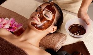 Cleopatra Schoonheidsinstituut: Chocolade gelaatsverzorging met manicure bij schoonheidsinstituut Cleopatra voor €29,99!
