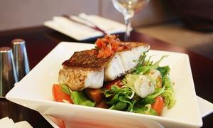 LO STORIONE: Menu di pesce con bottiglia di vino per 2 o 4 persone da Lo Storione (sconto fino a 75%)