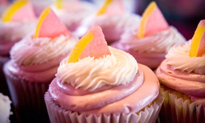Cupcake Á La Mode - Multiple Locations: $9 for $20 Worth of Gourmet Cupcakes at Cupcake Á La Mode