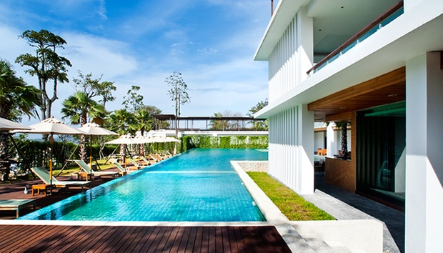 5* Hilltop Hotel in Patong 5