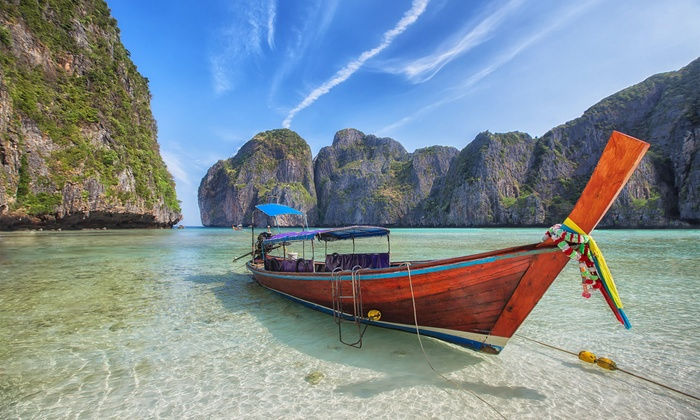 8-Day Bangkok Vacation with Hotel and Airfare from Gate 1 Travel