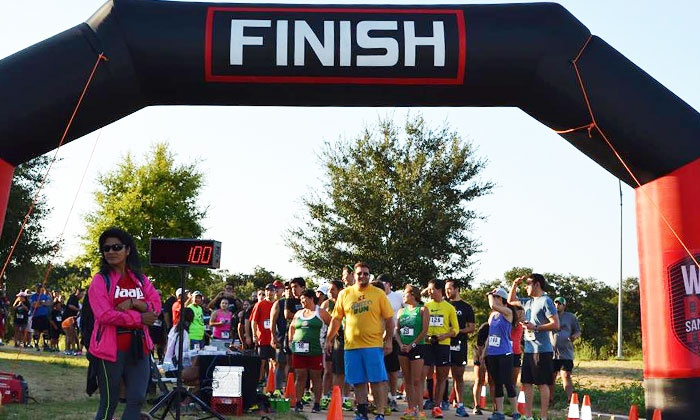 El Grito Run 5K - Multiple Locations: Entry for One in El Grito Run 5K on September 10 or Mascarita Run 5K on October 15 (Up to 44% Off)