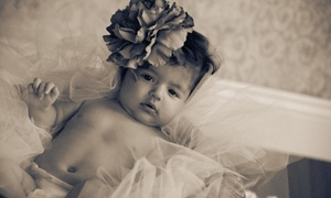 Sam Sarkis Photography: $79 for a 30-Minute Photo-Shoot Package with Prints at Sam Sarkis Photography ($280 Value)