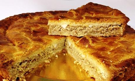 Confitería La Peladilla: 8-12 raciones de pastel de cierva desde 4,95 € a elegir entre carne, crema o chocolate