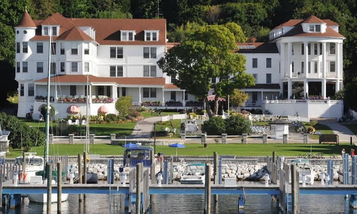 Island House Hotel - Mackinac Island, MI: Stay for Two with Dining Credit and Optional Discount Bike Rental at Island House Hotel in Mackinac Island, MI