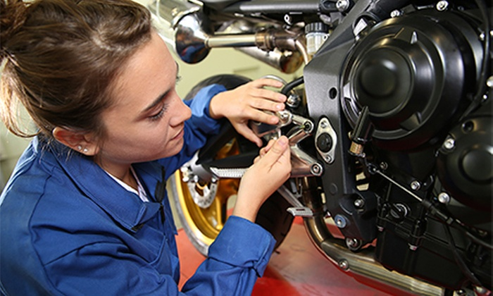 Cambio de aceite y revisión para motocicletas de entre 250 y 1.000 cc desde 19,90 € en Moto Expres
